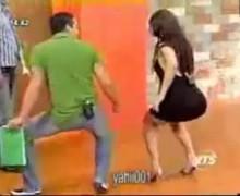 Paloma Fiuza moviendo las caderas
